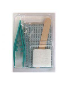 set de pansement, 2 pinces + 3 compresses+ 1 champ + 1 spatule dans un blister en 3 alvéoles